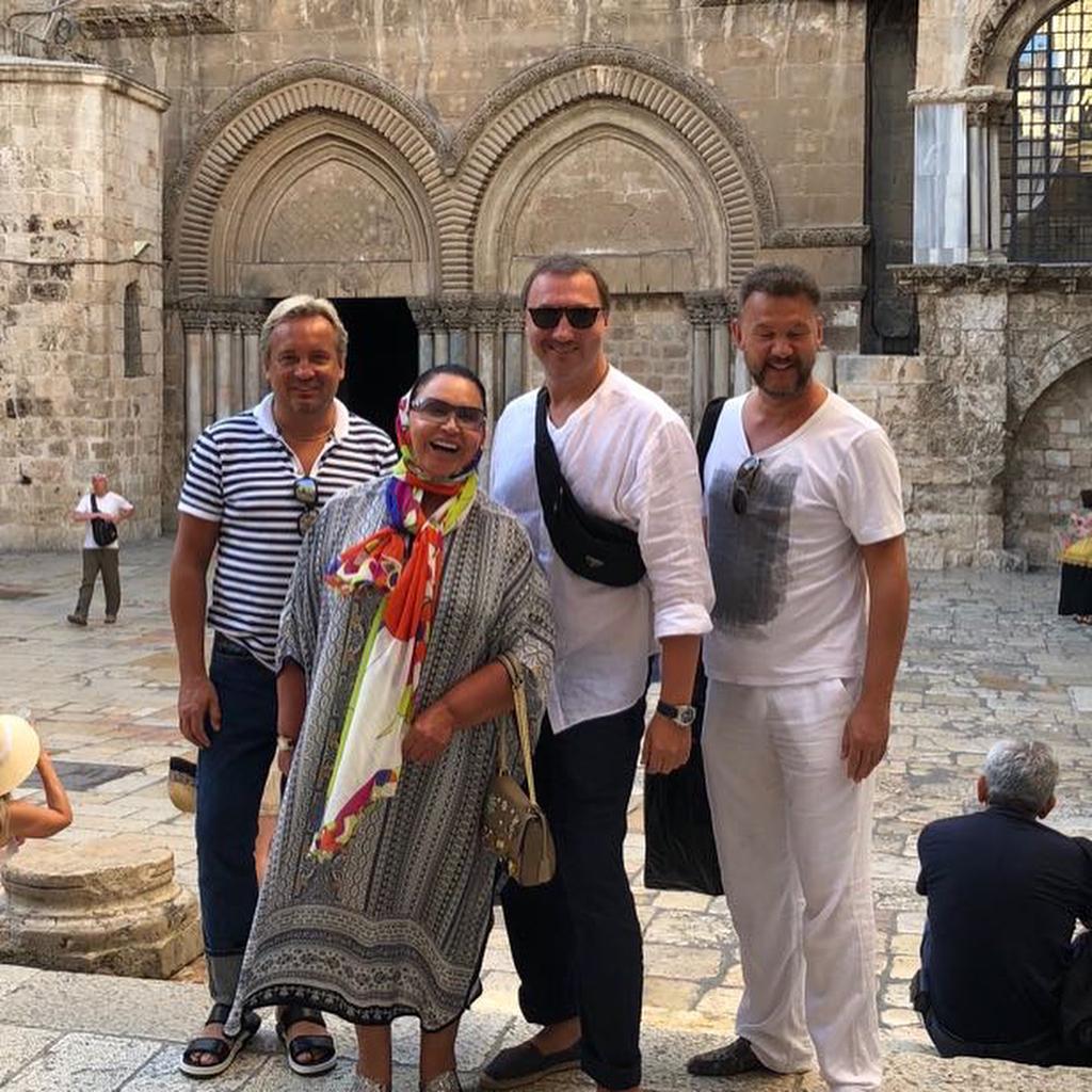 Поклонники всерьез напуганы резкими переменами во внешности 68-летней Надежды Бабкиной