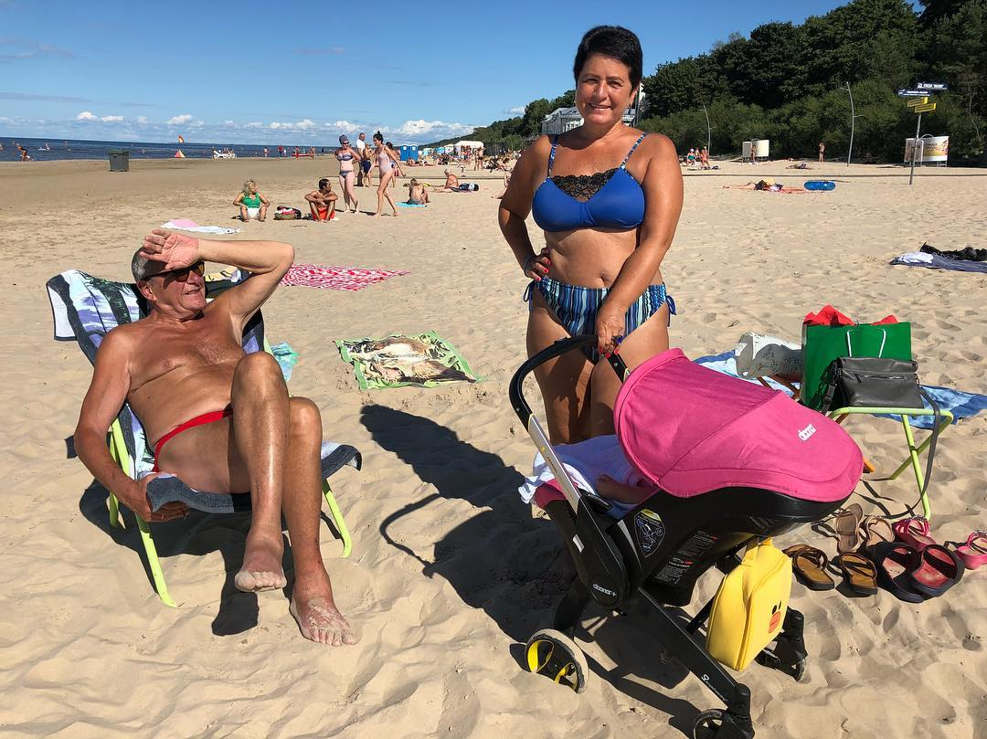 56-летняя супруга Эммануила Виторгана решилась показать фигуру после родов в сексуальном бикини