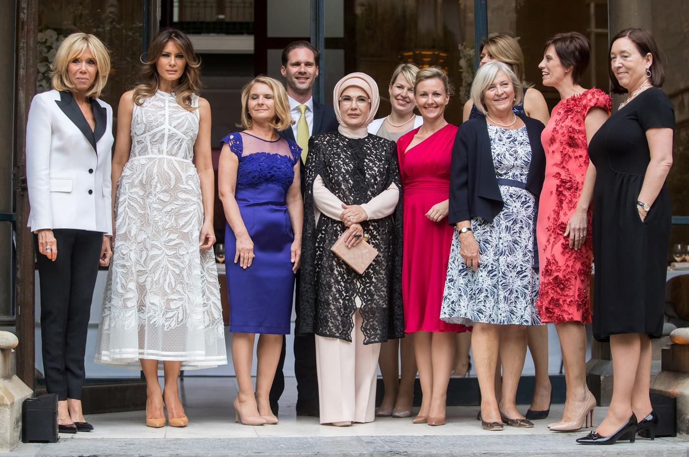 Мелания Трамп в прозрачном платье за $7500 чуть не сорвала начало важных переговоров мужа в Брюсселе