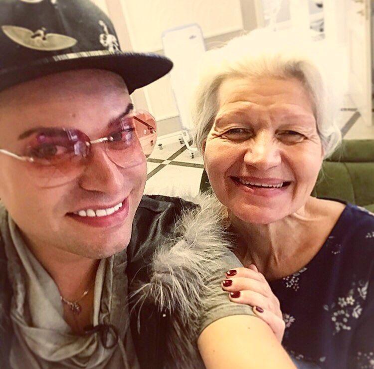 Чтобы довести свое тело до идеала 63-летняя жена Гогена Солнцева легла под нож пластического хирурга