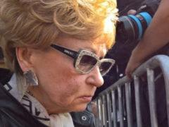 Телеведущая Светлана Моргунова заметно постарела и едва держалась на ногах на прощании с Кобзоном