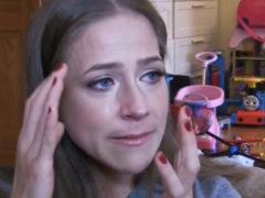 """""""Зачем выставлять такое неудачное фото?"""": Юлия Барановская испугала фанатов лицом без грамма макияжа"""
