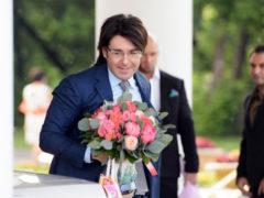Поставил точку в отношениях с женой: Малахов и известная актриса отметили свадьбу по грузинским обычаям