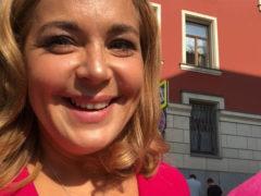 Счастливая и нарядная: актриса Ирина Пегова объявила, что мэр Москвы преподнес ей невероятный сюрприз