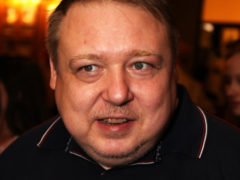 Дикие нравы в знаменитой семье: культовый артист Александр Семчев соблазнил невесту родного сына