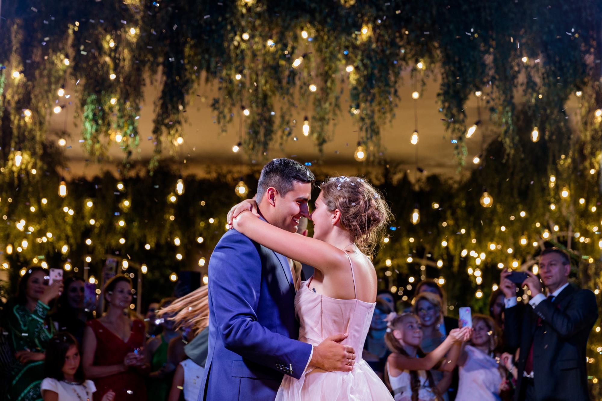 Потрясающая индийская свадьба: дочь телеведущего Петра Толстого вышла замуж за идеального мужчину