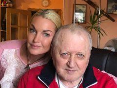 Анастасия Волочкова оскорбила людей, раскритиковавших ее решение отдать отца в дом престарелых
