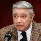Юная пассия Петросяна ведет себя странно: прячется от журналистов под грудой одежды и тратит миллионы