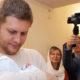 Борис Корчевников поделился с поклонниками радостной вестью: телеведущий впервые стал отцом