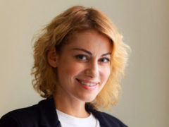 Анна Ковальчук сменила цвет волос и призналась, что в ее жизни появился долгожданный третий малыш