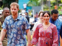 Во время королевского тура случился казус: беременная Меган Маркл забыла снять бирку с платья