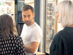 Позабыв о Жанне Фриске, шоумен Дмитрий Шепелев появился на публике с новой пассией и двумя детьми