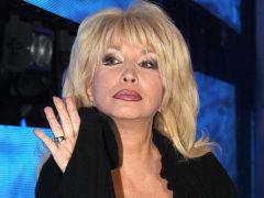 Певица Ирина Аллегрова вынуждена снова одевать старые вещи из-за низкой популярности ее концертов