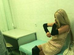 После разборок с Анной Калашниковой травмированной Алене Кравец понадобилась медицинская помощь