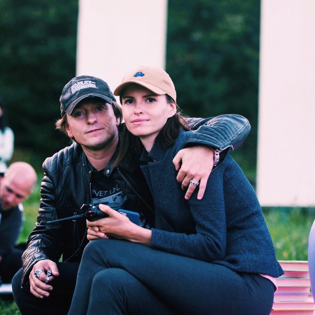 Сергей Безруков снова стал отцом: кинорежиссер Анна Матисон подарила знаменитому артисту ребенка