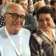 В это невозможно поверить: 78-летний Эммануил Виторган и его супруга возносят молитвы о крохотной дочурке