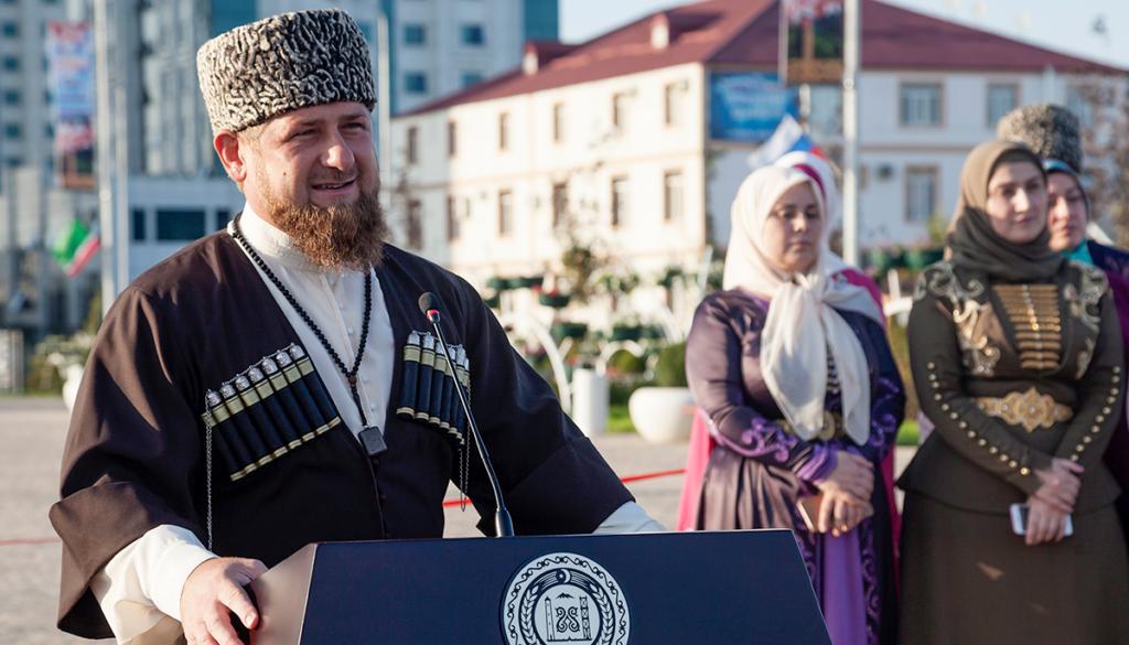 Илона бисултанова жена кадырова