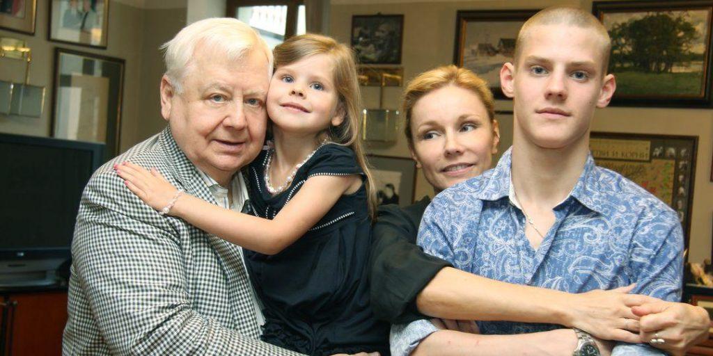 «Сильнее того, что я испытала, ничего быть не может»: вдова Табакова рассказала, как круто изменилась ее жизнь
