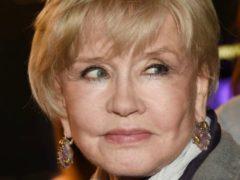 Пластика или неудачный макияж: 76-летнюю Веру Алентову раскритиковали фанаты из-за неудачного грима