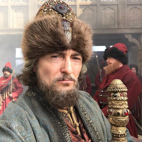 Нелепые бороды, худые актеры и слишком добрые глаза Ивана Грозного: за что в сети ругают «Годунова»