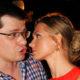 После слухов о скором разводе жена Гарика Харламова сообщила о серьезном переломе и трещине в руке