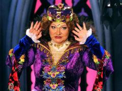Из пенсионерки в красавицу: Елена Степаненко помолодела минимум на 30 лет после развода с Петросяном