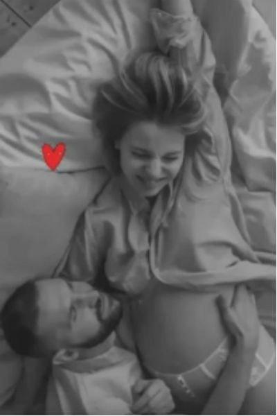 Долгое время скрывал тайную свадьбу и беременность супруги: в семействе Добронравова появился малыш