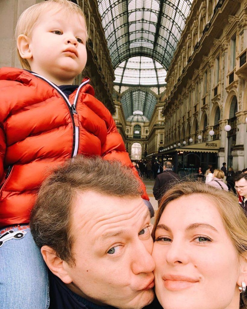 В панике убегала с двухлетним сыном на руках: обнародованы новые факты избиения жены Марата Башарова