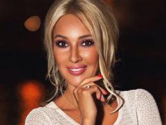 Элегантная и стильная мама Леры Кудрявцевой произвела настоящий фурор среди поклонников телеведущей