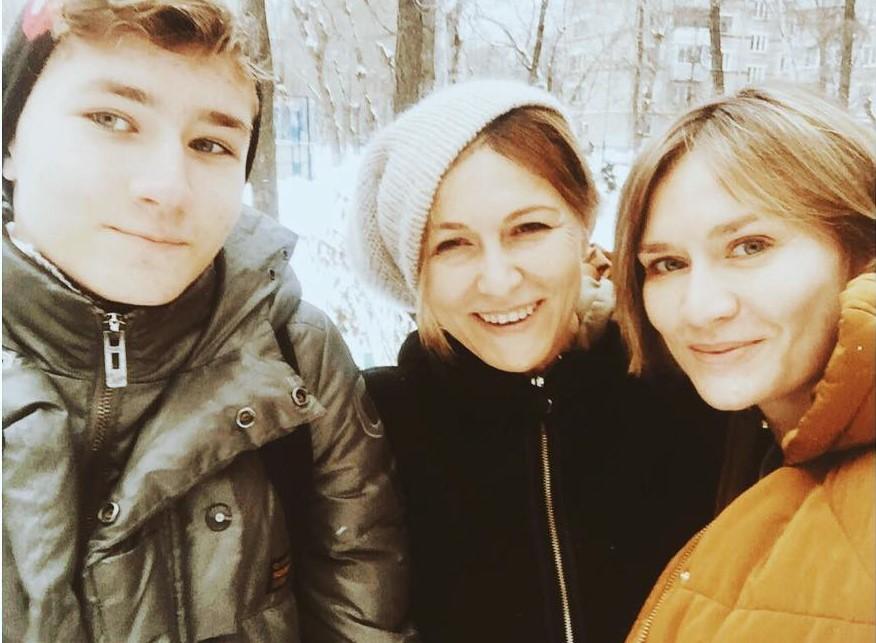 «Какое сокровище Владимир упустил»: дочь Машкова опубликовала фото своей невероятно молодой матери