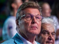 Лев Лещенко появился на концерте в сопровождении двух врачей «прямо из больницы, из-под капельницы»