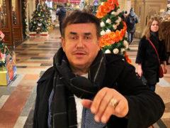 Болезнь не щадит никого: Станислав Садальский показал изменившегося Тото Кутуньо в инвалидной коляске