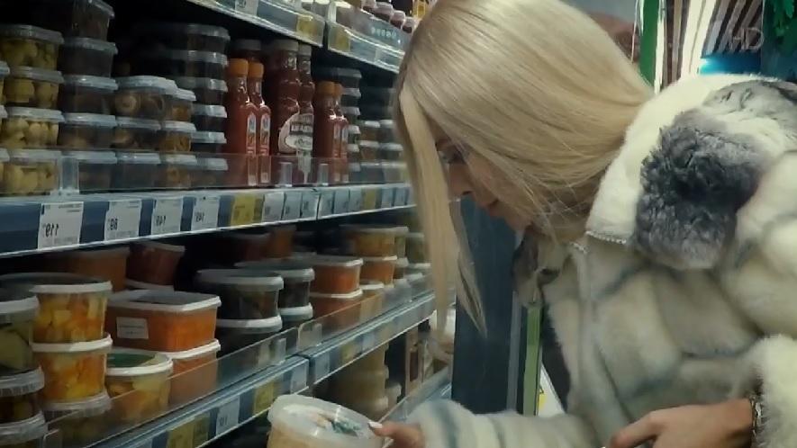 Кравец променяла мужа олигарха и элитный особняк на «хрущевку» и походы в дешевый супермаркет