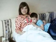 Грани людского горя: мать-одиночка с неизлечимой онкологией ищет приемную семью для маленького сына