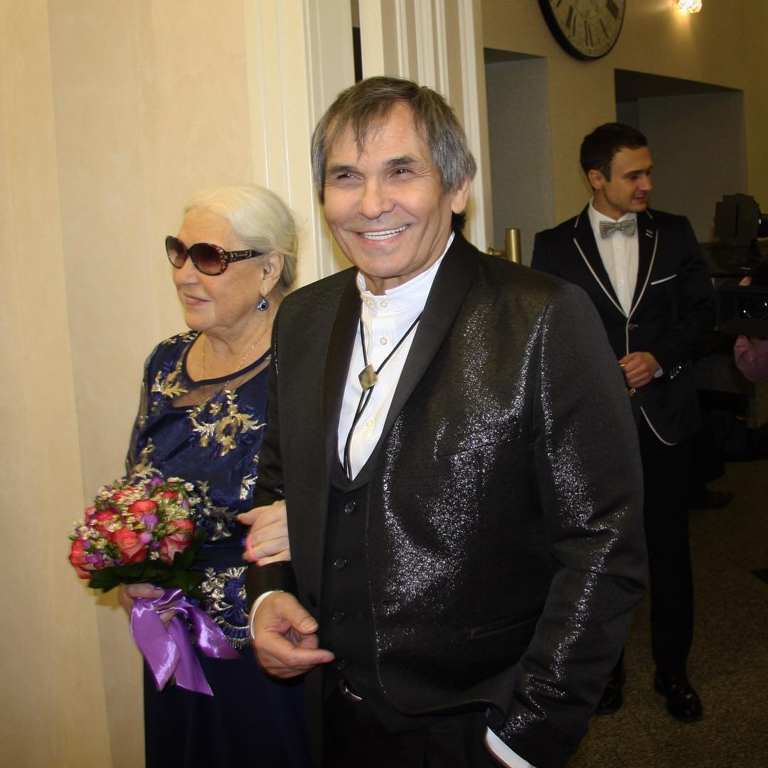 «Вы задолбали со своей Бузовой!»: реакция Алибасова на последний хит певицы из «Дома-2» развеселила сеть