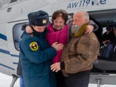 Леонид Якубович исполнил мечту тяжелобольной женщины и улетел, чтобы порадовать детей из интерната