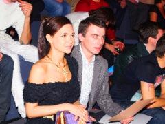 Повзрослевшая дочь Климовой не стесняется проявлять теплые чувства к возлюбленному прямо на публике