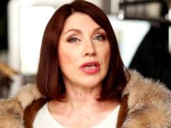 Ведущую шоу Первого канала «Давай поженимся» Розу Сябитову затравили за наглость и колбасу в соцсетях