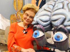 «Танец матки» в программе Елены Малышевой стал хитом: звезды шоу-бизнеса смеются, а политики негодуют