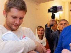 Бориса Корчевникова поздравили с рождением ребенка: «Прекрасный малыш, здоровья и счастья обоим!»