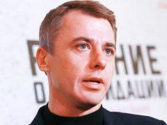 Петренко сбежал от недавно родившей супруги и оставил новорожденную дочь ради премьеры фильма