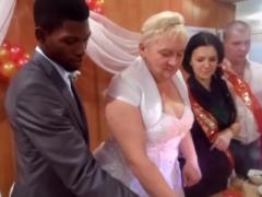 Влюбилась и уже готовится к свадьбе: молодая вдова нигерийского принца из Череповца встретила нового кавалера