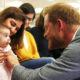 Народ пришел в восторг от милого поступка принца Гарри, сплясавшего с малышами в балетном классе