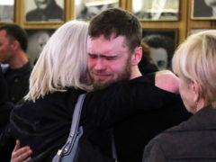 Странное поведение последнего любовника Цывиной на похоронах неприятно удивило родных актрисы