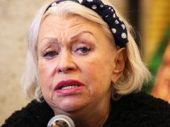 Людмила Поргина готовится выйти замуж в четвертый раз, и при этом не теряет духовной связи с Караченцовым