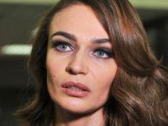 Какой конфуз: экс-участница «Дома-2» Алена Водонаева показала все сквозь дыру на лопнувшем по шву платье