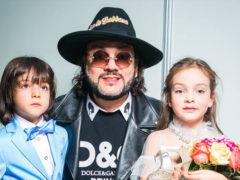«Филипп, ну все, мы раскрыты!»: певица Жасмин рассказала, кто является суррогатной матерью детей Киркорова