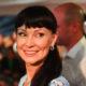 В необычном наряде, а в глазах счастье: Нонна Гришаева вышла в свет с мужем, который простил ей измену