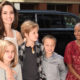 Ножи, алкоголь и визиты к психологу: Анджелина  Джоли воспитывает шестерых детей, не задумываясь о последствиях