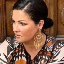 «Народ! Ты меня забодал!»: Анна Нетребко резко ответила поклонникам, выпрашивающих секрет ее похудения